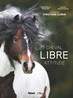Cheval libre attitude